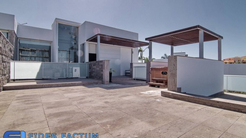 Townhouse in complex Habitats, in Bahia Del Duque, Adeje, Tenerife.