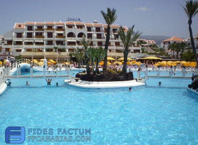 Apartment in complex Parque Santiago III, in Playa de Las Americas, Arona, Tenerife.