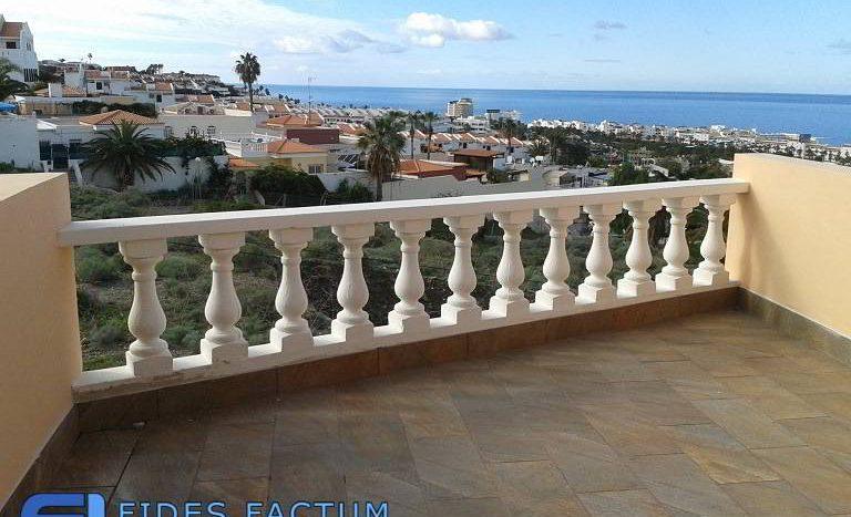 Apartment in complex Paradise Court in Torviscas Alto, Adeje, Tenerife
