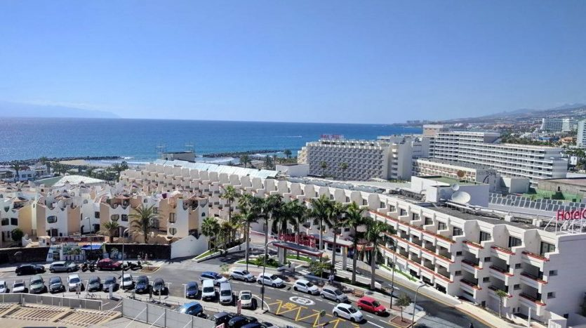Apartment in the complex Torres de Yomeli in Playa de las Americas, Arona, Tenerife