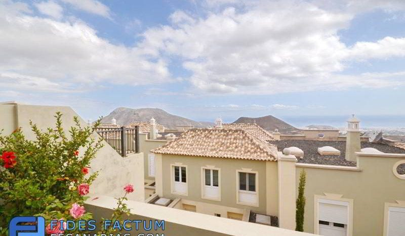 Townhouse in the complex Las Lomas in Chayofa, Arona, Tenerife