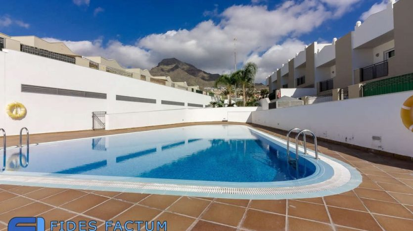 Townhouse in the complex Oasis de Fañabe in Madroñal, Adeje, Tenerife