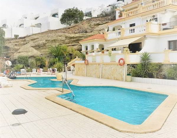 Apartment in the complex Windsor Park in Torviscas Alto, Adeje, Tenerife