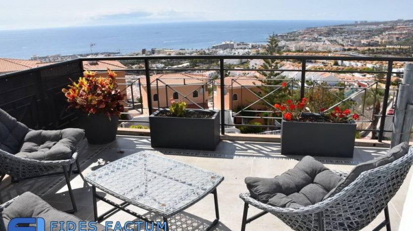 Townhouse in the complex Tagora in Torviscas Alto, Adeje, Tenerife